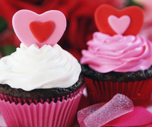 cup cakes and hearts image