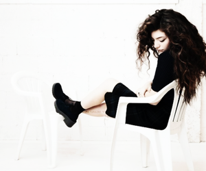 lorde and picturezar image