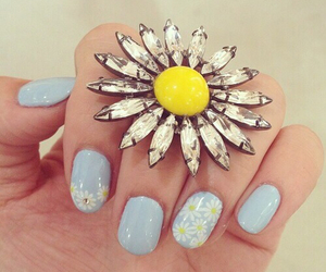 nails, daisies, and pretty image