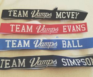 pulseiras and thevamps image