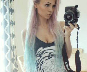 <3, blue, and dip dye image