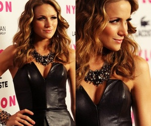 one tree hill, oth, and shantel vansanten image