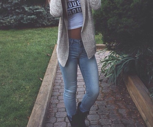 clothes, fall, and girl image