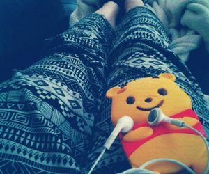 ipod, lazy day, and winnie the pooh image