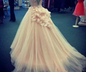 dress, caida, and love image