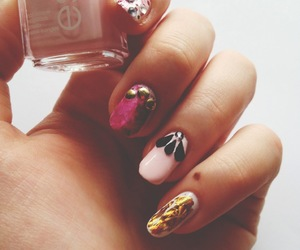 fashion, gold, and nail polish image
