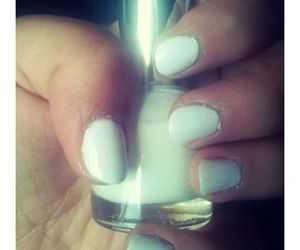Blanc, manicure, and ongles image
