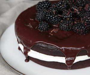 blackberry, cake, and chocolate image