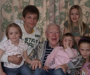 louis tomlinson, one direction, and family image