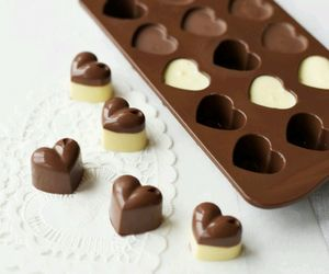 chocolate, wite, and adiccion image