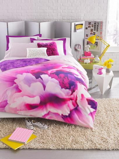 Teen Vogue Bedding: Style: teenvogue.com on We Heart It