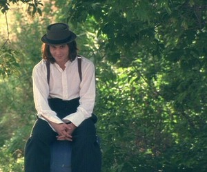 benny and joon and johnny depp image
