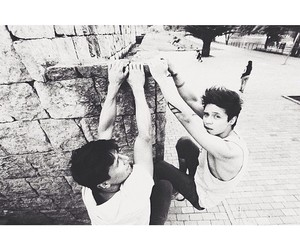 amigos, parkour, and friends image