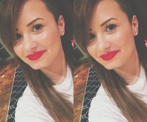 beautiful, demi lovato brown hair, and demi lovato shaved image