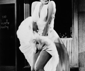 Marilyn Monroe, marilyn, and dress image