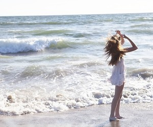 beach, model, and brandy melville image