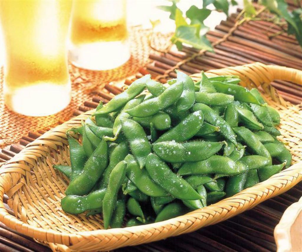eat, summer, and green soybeans image