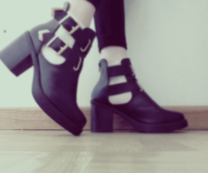 grunge, heels, and hipster image