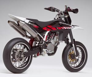 motorbikes and husqvarna image