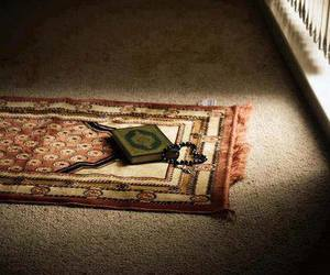 islam, qur'an, and praying image
