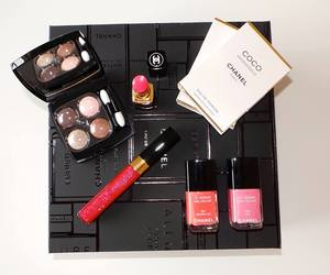 <3, beauty, and chanel image