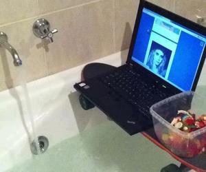 tumblr, skate, and bath image