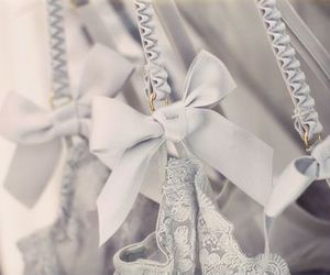 bow and lace image