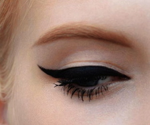eye, eyeliner, and eyes image