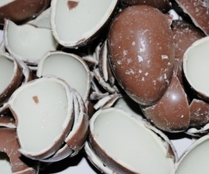 chocolate, kinder, and eastereggs image