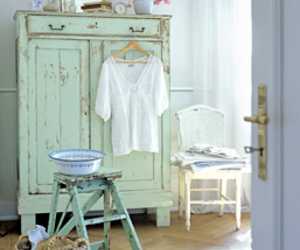 interiors and mint green image