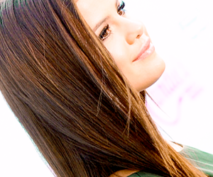 beauty, Queen, and selena image
