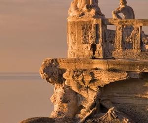 sea and statue image