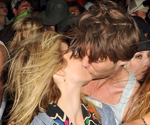 cute couple, kiss, and dianna agron image