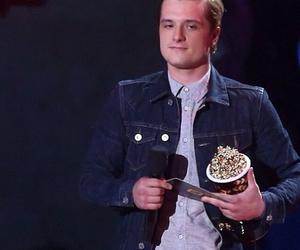 mtv movie awards, the hunger games, and josh hutcherson image