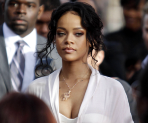 rihanna and mtv movie awards image
