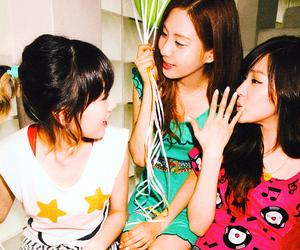 tiffany, taeyeon, and girls' generation image