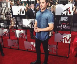 zac efron, Hot, and mtv movie awards image