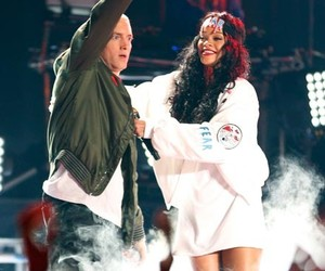 rihanna, eminem, and mtv movie awards image