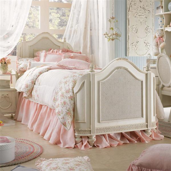 25 images about shabby chic on We Heart It | See more about bedroom ...