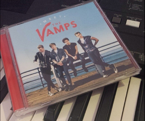 cd, piano, and the vamps image