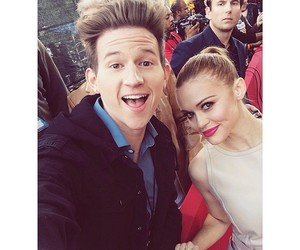 mtv movie awards, red carpet, and holland roden image