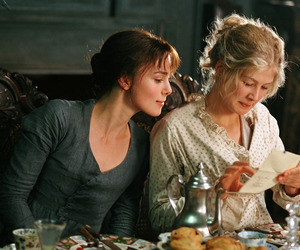 pride and prejudice and elizabeth bennet image