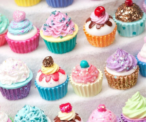 yummy cupcakes image