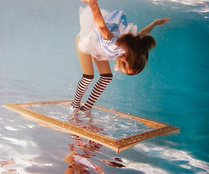 elena kalis and alice in waterland image