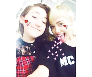 icon and noah cyrus image