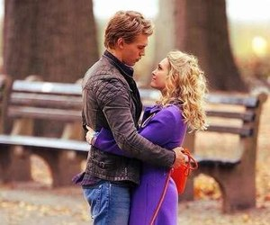 hug, kiss, and the carrie diaries image