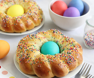 bread, easter, and italian image