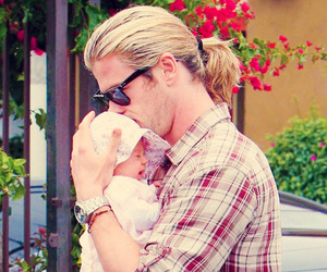 cute, baby, and chris hemsworth image