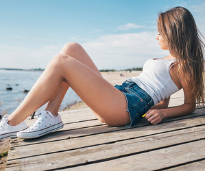 girl, summer, and converse image