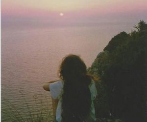 girl, indie, and sunset image